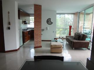 Poblado 2 Bedroom w/ Amenities 0062, Medellin