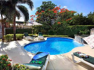 *VERANDAH' *Great Pool* *Near Beach* Air-Cond, spacious Caribbean style villa !