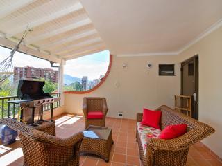 Parque Lleras Penthouse w/ Great Terrace 0086, Medellin