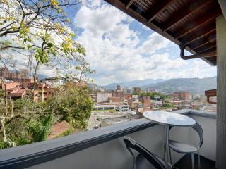ElRecinto 501 2 blocks f. P.Lleras, Medellin