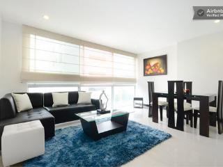 Poblado 1 Bedroom with Rooftop and Amenities 0110, Medellin
