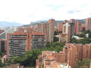 Top of the Mountain Views 0118, Medellín