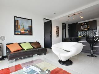 Poblado 1 Bedroom Filled with Amenities 0119, Medellin