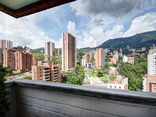 Poblado 16th Floor w/ Huge Rooftop  0138, Medellin