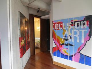 Large Poblado Studio 0045, Medellin