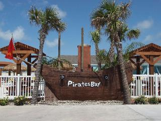Cozy, brand new, condo in Pirates Bay! Fabulous lagoon pool!