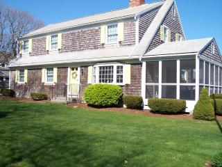 Picture Book Cape Vacation home @ 15 Lincoln Aven 125334, Harwich Port