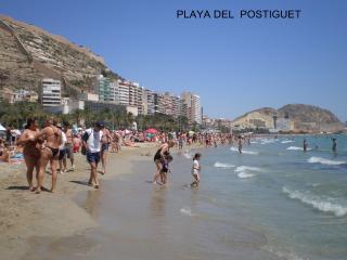 Playa del Postiguet (foto tomada frente al edificio, a 80 metros)