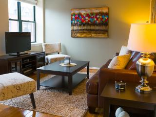 Beautiful Garrison Street Apartment by Stay Alfred