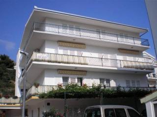 CR 88- Apartment A, Omis