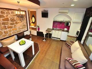 CR 101 - Apartment 1, Split