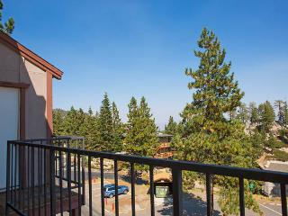 Sleeps 16 LakeTahoe Village SL348CD, Stateline