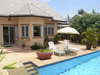 Raya Villa - Pool Villa in Hua Hin Thailand