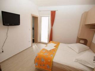 CR107 - Apartment 4, Makarska