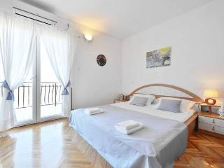 Matej - Clean and sunny apartment near Split, Podstrana