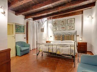 Beautiful spacious apartm, 2 bedrooms, 1,5 bath., Florencia