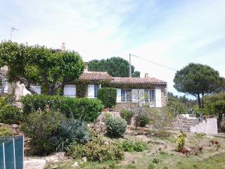 House between sea and hills, surrounded by nature, Roquebrune-sur-Argens