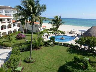 Oceanfront with pool 2 bedroom in Xaman Ha (Xh7206), Playa del Carmen