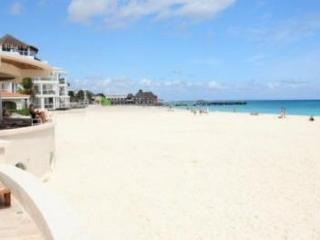 NIce! Oceanfront with pool 3 bedroom in Xaman Ha (XH7010), Playa del Carmen