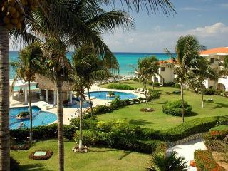 Oceanfront with pool 3 bedroom in Xaman Ha (XH7212), Playa del Carmen