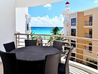 Luxurious beachfront condo, 2-bdrm, 2-bath Playa del Carmen (CM302)