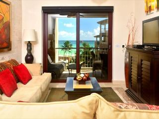 CHECK THIS OUT! 15% REDUCTION in this 2bdr condo Caribbean Views!(EFC301)