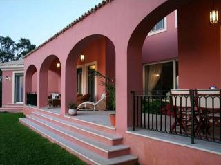 Villa Olea, Gastouri