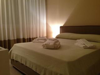 Residence Dante Elegante Appartamento, Arredato,, Marsala