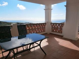 Beautiful 2 bedrooms holiday apartment rental in C, Sitio de Calahonda