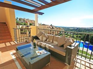 Sunny 2 Bedroom Penthouse Near Resort Club House  Los Arqueros R 108
