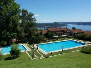Italian Lakes 2 bedroom apartment with pool
