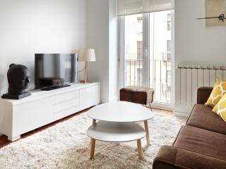 Plaza Guipuzcoa Apartment by FeelFree Rentals, Donostia-San Sebastián