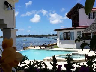 Facing the sea, Mauritius guesthouse  3 islands, Mahebourg