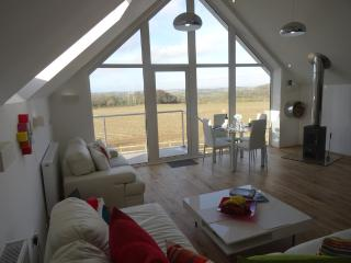 SPIRES  A Modern Luxury Bijou Retreat for Couples, Carnon Downs
