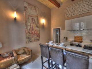 Stylish Studio Apartment In The Heart Of Valletta, La Valeta