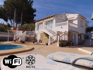 Villa Alzina - Villa with pool close to the beach, Calpe