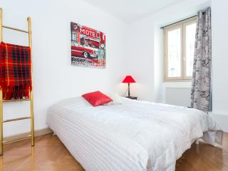 MEDECIN - Cosy flat, very central, Niza
