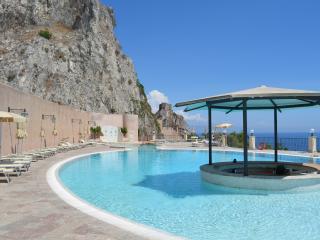 Appartamento con piscina e discesa privata a mare, Sant' Alessio Siculo