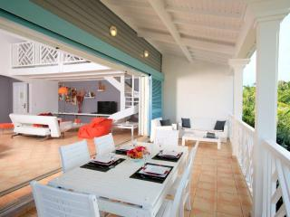 ALEXIA at CARIBBEAN PRINCESS B6...lovely Orient beachfront condo with views, Full AC, and free beach chairs!, Orient Bay