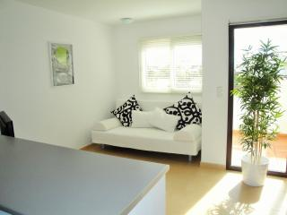 Contemporary Styled 2 Bedroom Apartment, Alhama de Murcia