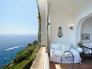Favonio, Amalfi