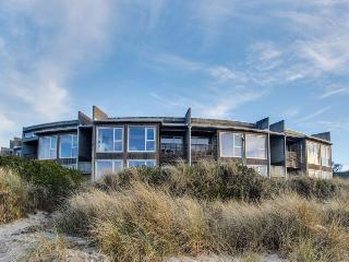 Dog-friendly oceanfront condo w/great ocean views, shared hot tub, beach access!