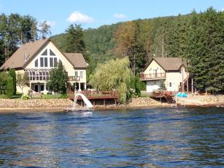 "WATER FRONT ""SANDY LAKE COTTAGE"""