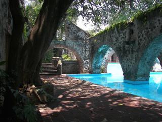 Villa El Nido-Fabulous Vintage Mexican Style Casit