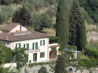 In Florence: Villa, views, pool, car not necessary, Firenze