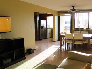 Cedro Premium Vacation Condo, San Jose