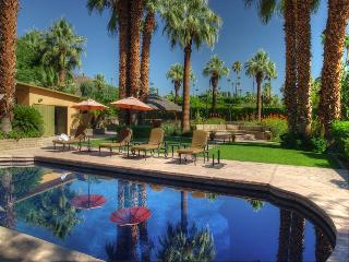 Old Las Palmas Estate with Private Pool, Tennis Courts and Located in a Gated Community, Palm Springs