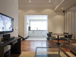 Superior 2 Bed Serviced Apartment in Kensington