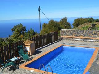 House with pool and views island of La Palma
