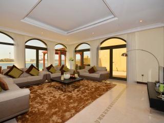 GARDEN VILLAS - 79495, Dubai